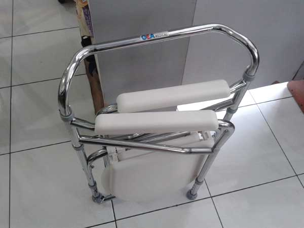 commode-chair-deluxe