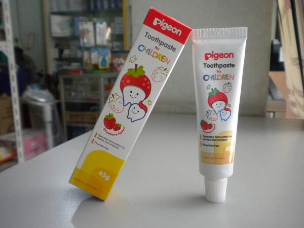 pigeon toothpaste strawberry