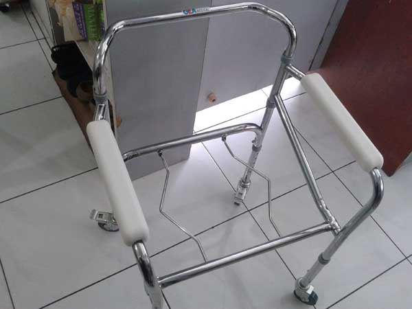 commode chair roda 1