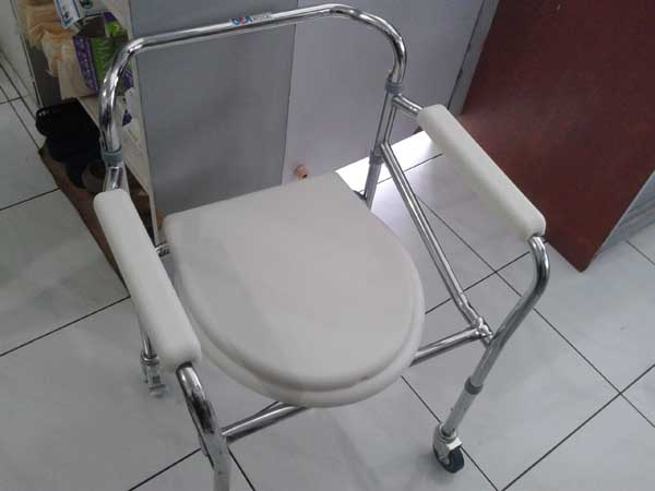 commode chair roda 5