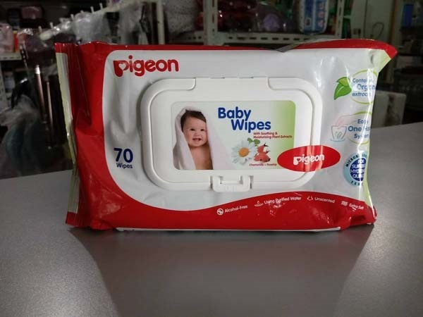 baby wipes pigeon 70