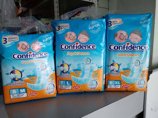 confidence pampers perekat